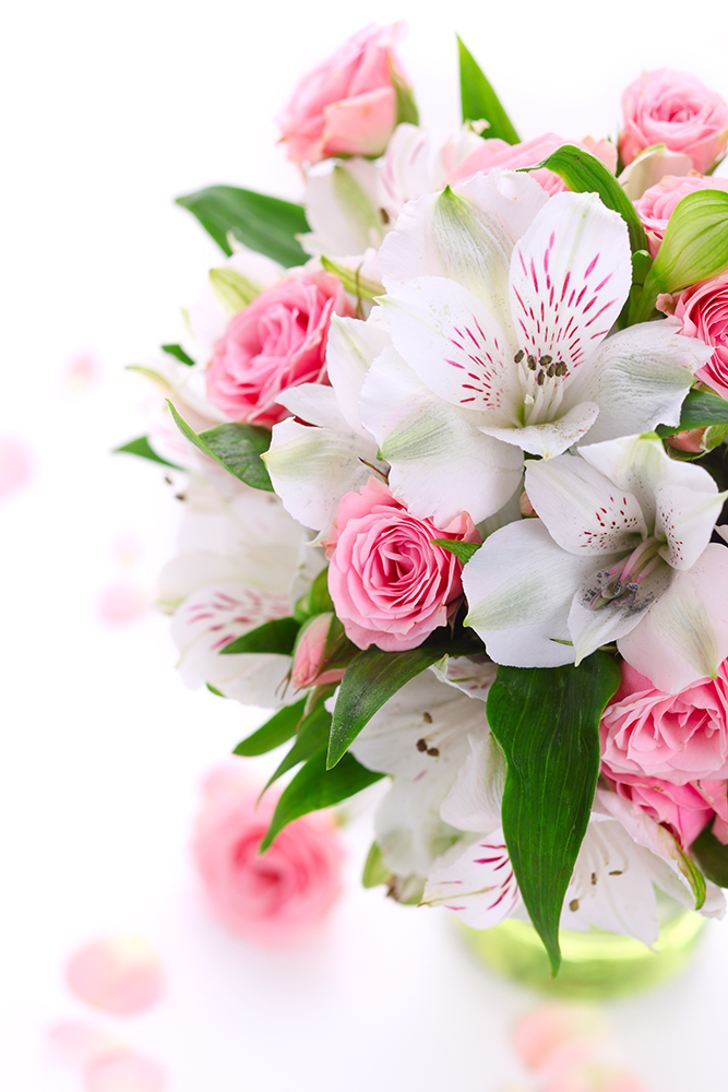 Букет с надписью для ларисы, цветов нелидово